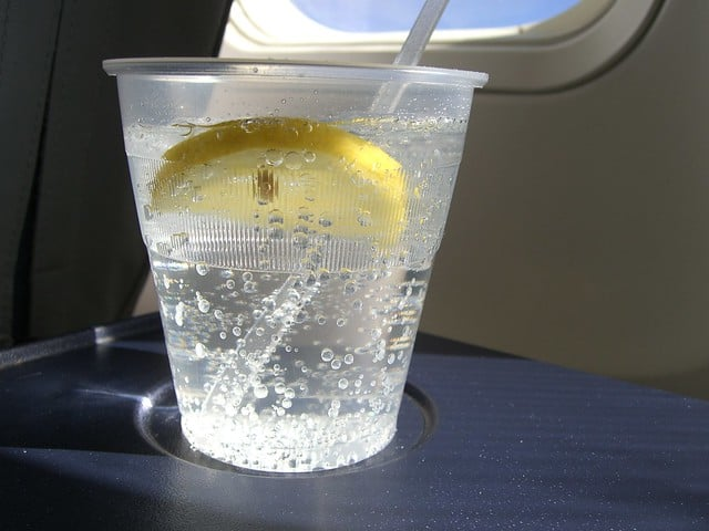 10 Dinge, die man im Flugzeug nicht macht – Niemals!