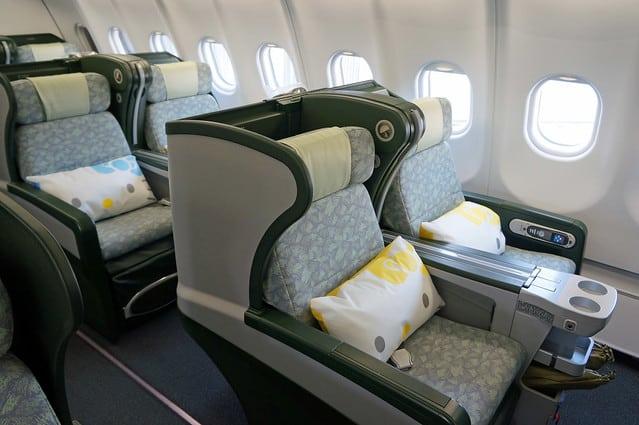 10 Tipps, um besser im Flugzeug schlafen zu können
